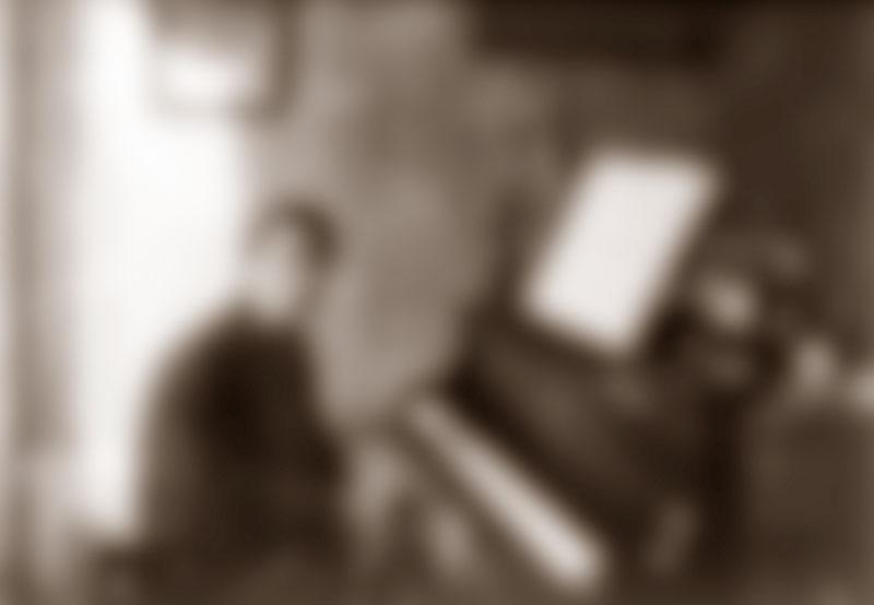 MUSIK_Maurice_Ravel_au_piano_1912